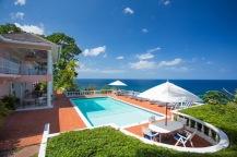 Poolen vid huset. Foto: Villas Jamaica